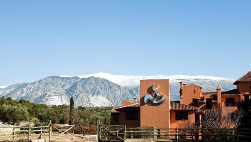 Hotel Pictures: Hacienda Señorio de Nevada, Villamena