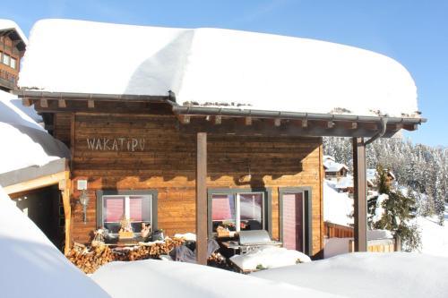 Hotel Pictures: Wakatipu-Lodge, Bettmeralp