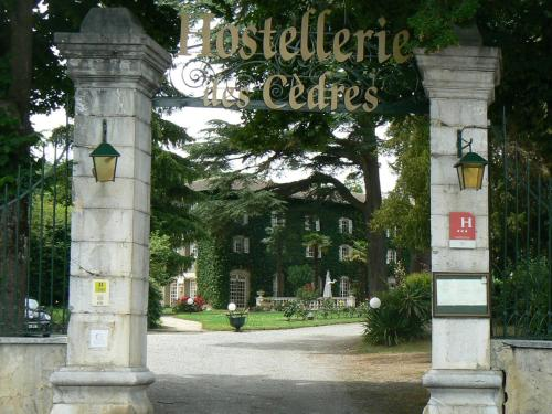 Hotel Pictures: Hostellerie des Cèdres, Villeneuve-de-Rivière