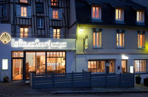 Hotel Pictures: Logis Le Relais Saint Jacques, Saint-Léonard-de-Noblat