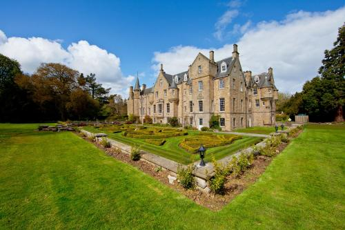 Hotel Pictures: Carberry Tower Mansion House and Estate, Musselburgh