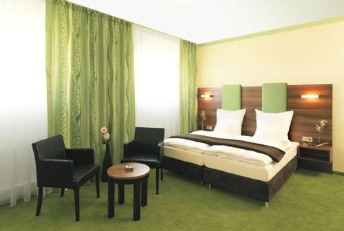 Hotel Pictures: Hotel und Cafe Paso, Vierkirchen