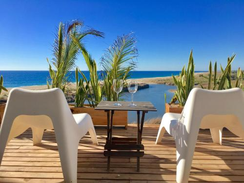 Villas La Mar #6 Ocean View Suite