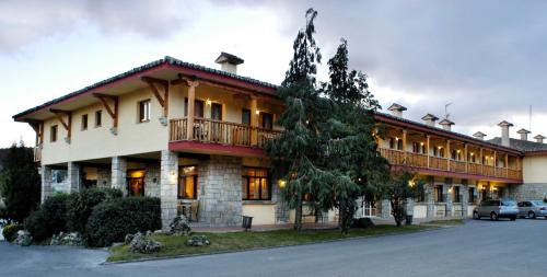 Hotel Pictures: Hotel Rural Spa&Wellness Hacienda Los Robles, Navacerrada