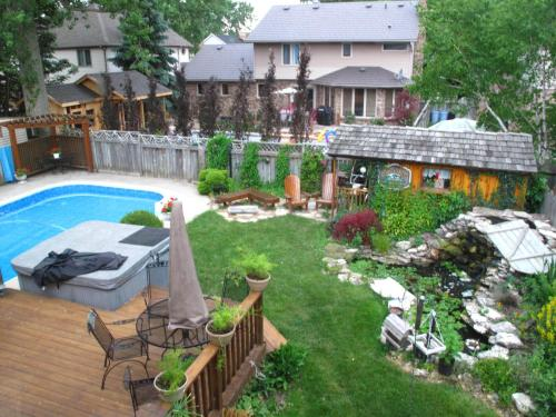 Hotel Pictures: Twin Lakes Retreat Bed and Breakfast, Sarnia