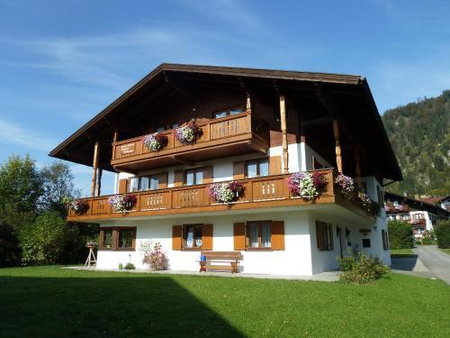 Hotel Pictures: Haus im Kurpark, Reit im Winkl