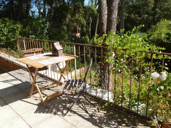 Hotel Pictures: Petit Appartement Pont du Gard, Castillon-du-Gard
