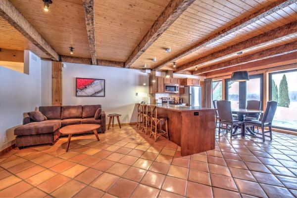 Hotel Pictures: Le Grand R, Saint-Donat-de-Montcalm