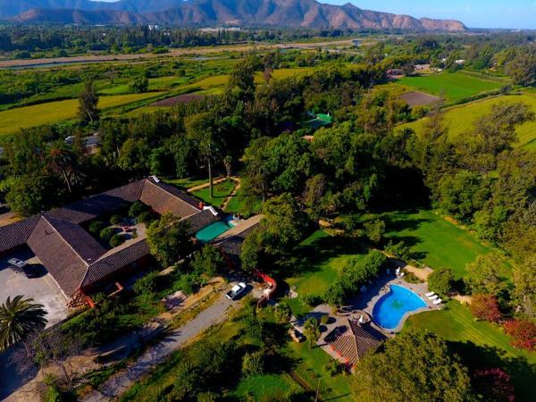 Hotel Pictures: Casona Lo Aguirre, Talagante