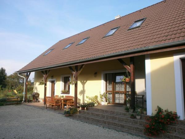 Hotel Pictures: Ubytovani U Emilky, Chlum u Třeboně