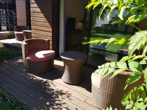 Hotel Pictures: Le Vieux Logis de Clam, Clam