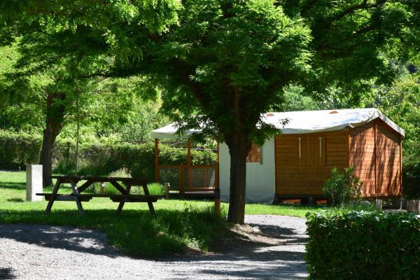 Hotel Pictures: Camping La Charderie, Pont-de-Labeaume