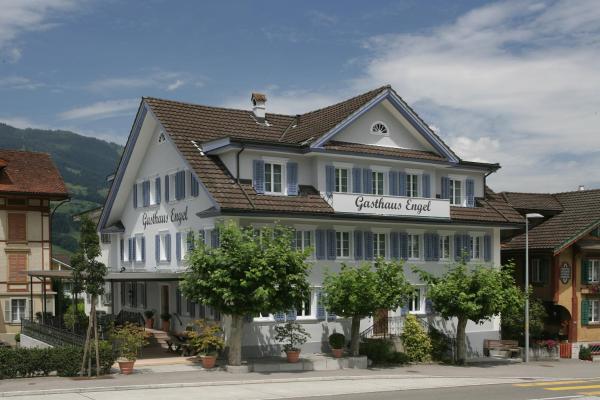Hotel Pictures: Gasthaus Engel, Sachseln