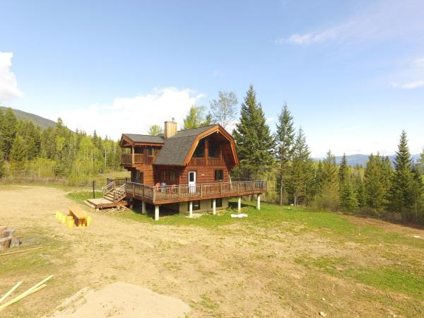 Hotel Pictures: Best cozy log cabin in the Rocky Mountains, Invermere