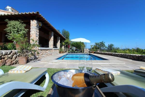 Hotel Pictures: Villa Feliz, Plamanyola