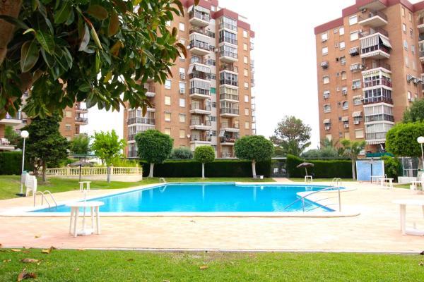 Hotel Pictures: APARTAMENTO LAS TORRES, El Campello