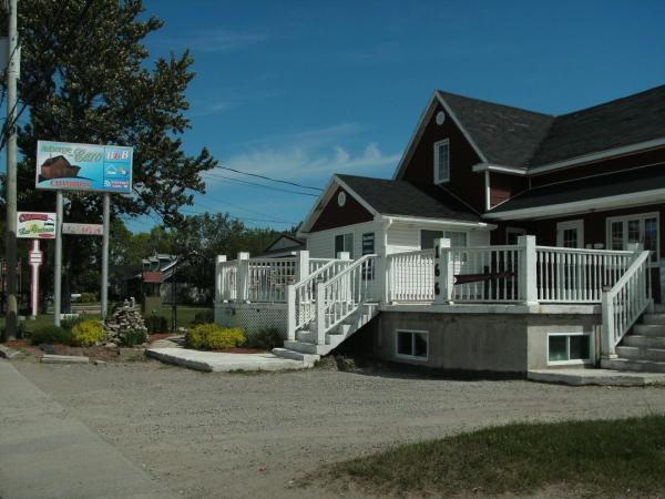 Hotel Pictures: Auberge Chez Caro, Sacré-Coeur-Saguenay