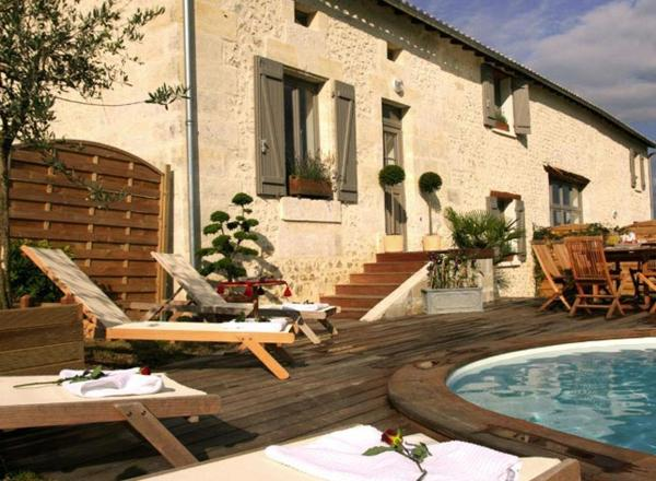 Hotel Pictures: Domaine du Grand Tourtre, Chalais
