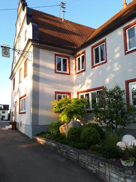 Hotel Pictures: Landgasthof Zur Sonne, Fünfstetten