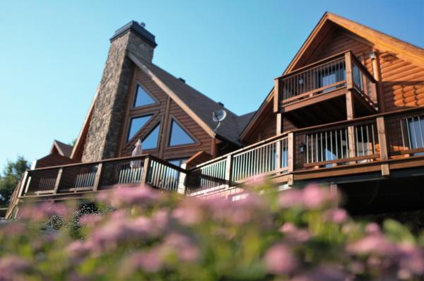 Hotel Pictures: Selenia Lodge, Saint-Rémi-d'Amherst
