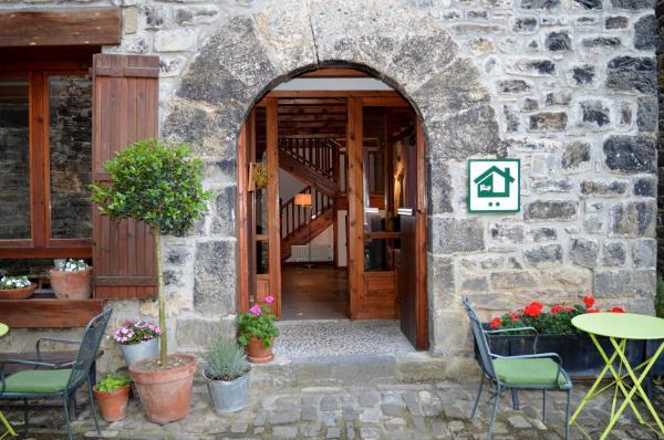 Hotel Pictures: Casa Tetxe, Roncal