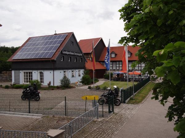 Hotel Pictures: Landgasthaus zum Seysingshof, Bad Colberg