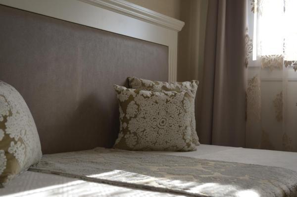 Hotel Pictures: Hotel Villa Olivar, Casariche