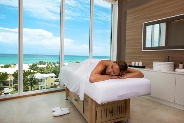 Hotel Pictures: Hilton at Resorts World Bimini, Alice Town