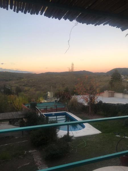 Фотографии отеля: Cabaña de Campo El Balcon, Villa Icho Cruz