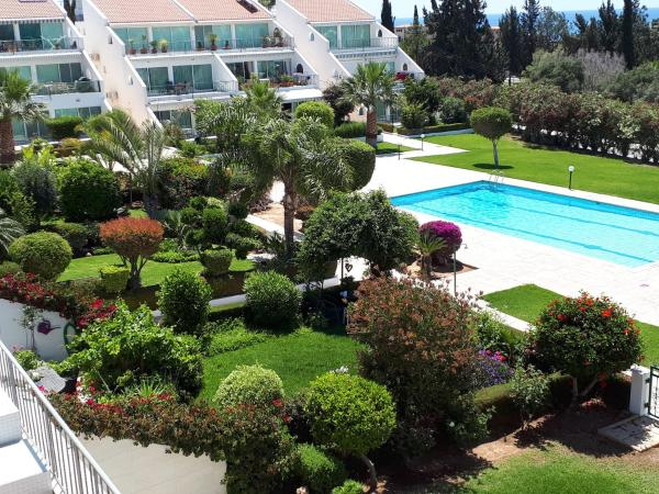Hotel Pictures: Bayview Terraces, Limassol