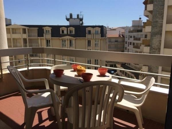Hotel Pictures: Apartment Résidence victoria surf c553 : centre-ville et accès direct à la plage, Biarritz