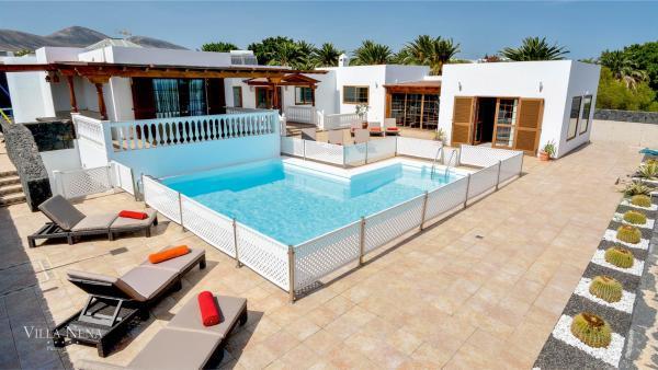 Hotel Pictures: Villa Nena Lanzarote, Puerto Calero