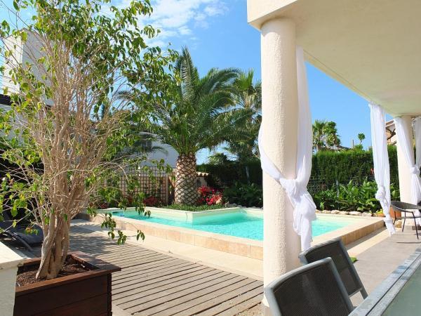 Hotel Pictures: Villa Izabella, Calafat