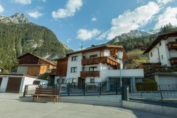 Fotos do Hotel: Apartmenthaus Hölzl, Flirsch