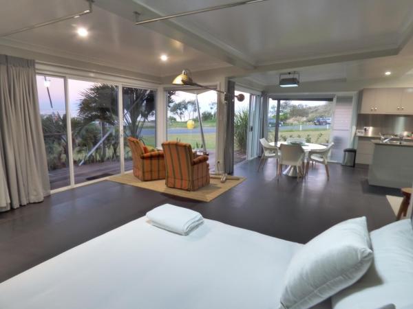 Foto Hotel: ArtHOUSE Beachfront Accommodation, Emerald Beach