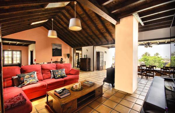 Hotel Pictures: La Casa del Volcan, Tahiche