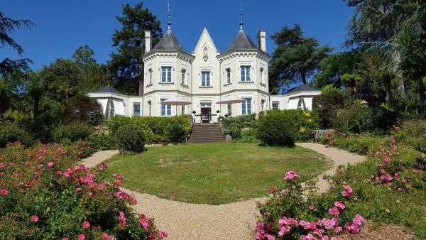 Hotel Pictures: Belle Couronne, Le Cellier
