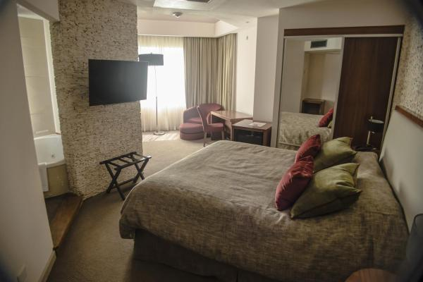 Фотографии отеля: Antu Malal Hotel, Plaza Huincul