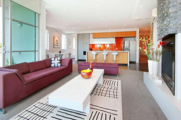 Hotel Pictures: Penthouse St Kilda Style, Melbourne