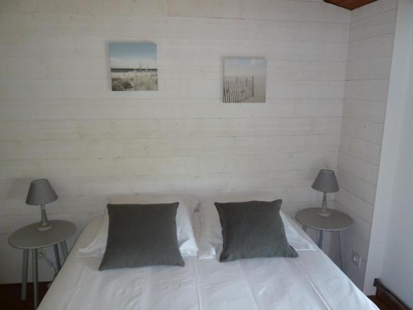Hotel Pictures: L'Annexe, Arès
