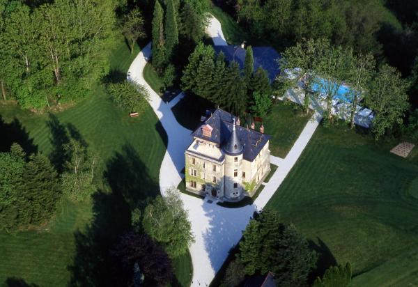 Hotel Pictures: Château de la Tour de Puits, Coise-Saint-Jean-Pied-Gauthier
