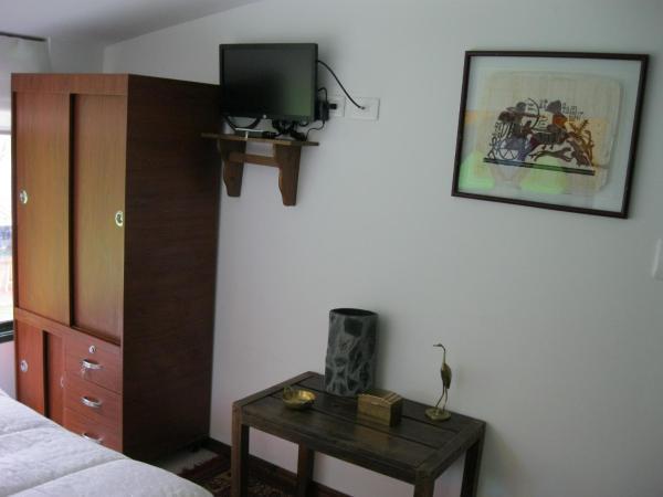 Hotel Pictures: Hostal Bugambil, Sopo