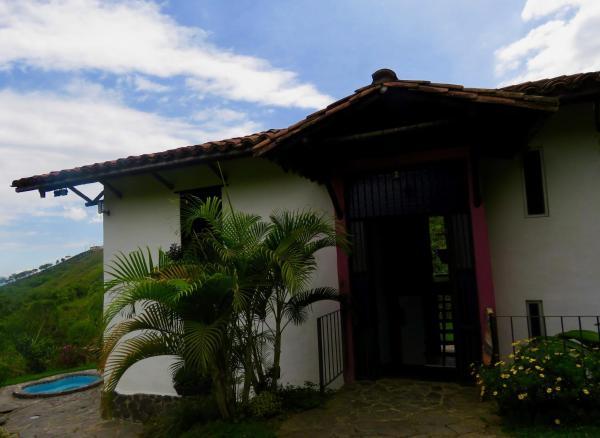 Hotel Pictures: Casa de Aves, Manizales