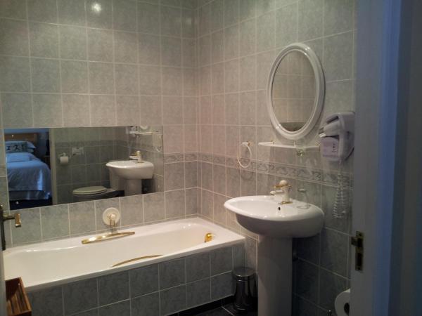 Room No 2 Upstairs