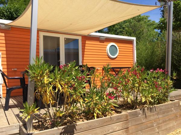 Hotel Pictures: Camping du domaine du MARIN'PALM, Vic-la-Gardiole