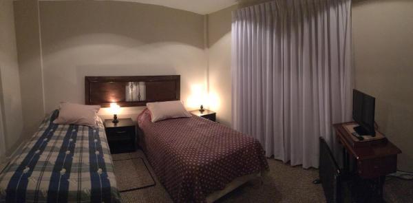 Hotel Pictures: La Colina Bed and Breakfast, La Paz