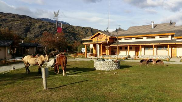 Hotel Pictures: Hacienda Tres Lagos, Aldana