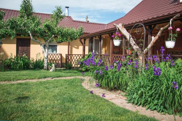 Hotel Pictures: Holiday home Ryabinka, Nyasvizh