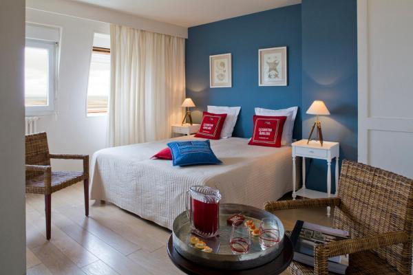 Hotel Pictures: Hôtel Restaurant Des Isles, Barneville-Carteret