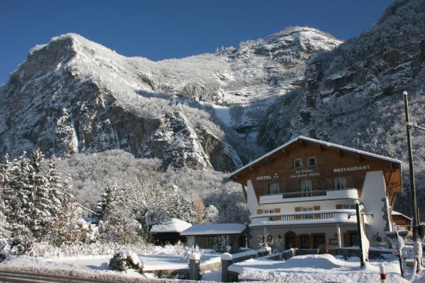 Hotel Pictures: Le Relais Du Mont Blanc, Magland